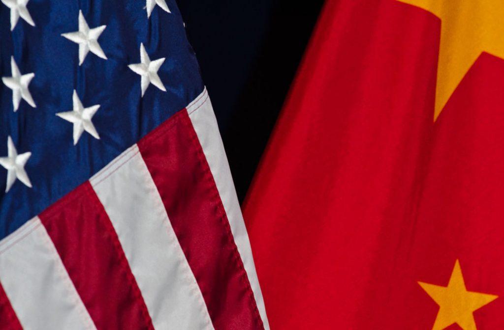 EEUU_China_Banderas