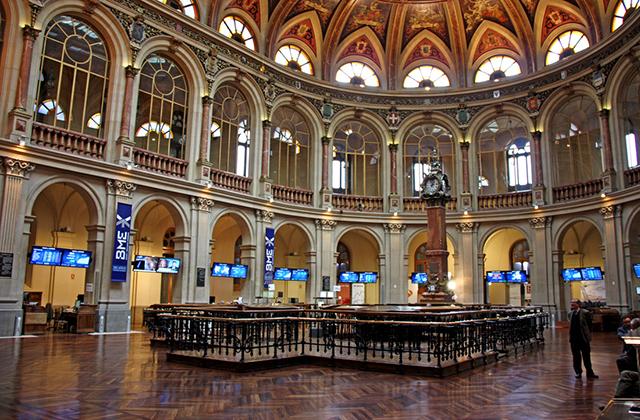 Interior del palacio de la Bolsa de Madrid