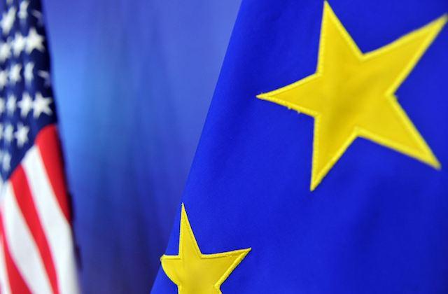 Eurozona_EEUU_Banderas